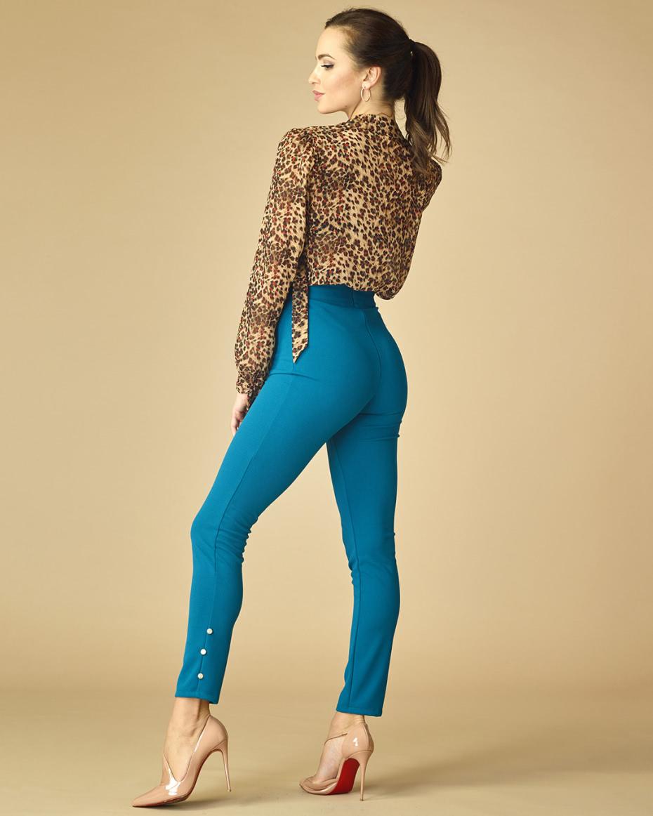 "{""bg"":""Син клин – панталон"",""en"":""Blue tights-trousers""}"