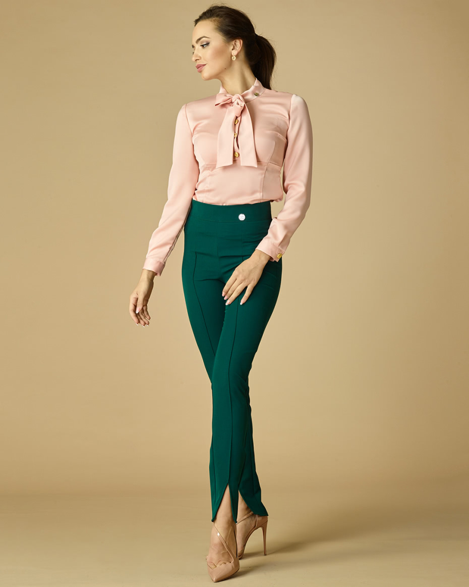 """{""""bg"""":""""Зелен панталон с цепка и ръб"""",""""en"""":""""Slit green trousers with pleats""""}"""